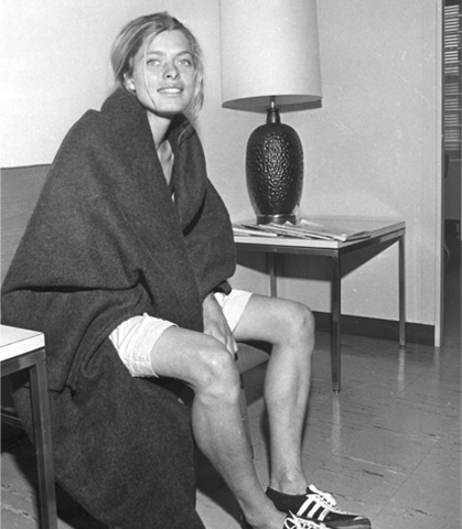 Boston Marathon Bobbi Gibb.jpg
