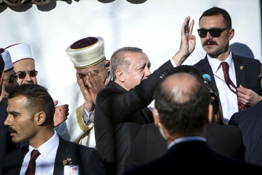 Αποτέλεσμα εικόνας για ερντογαν με ψευδομουφτή