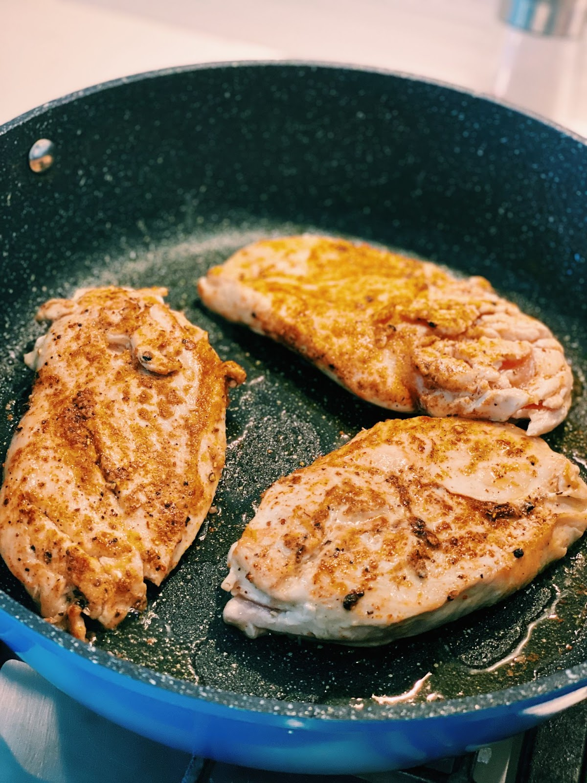 Pan-fry juicy chicken breast