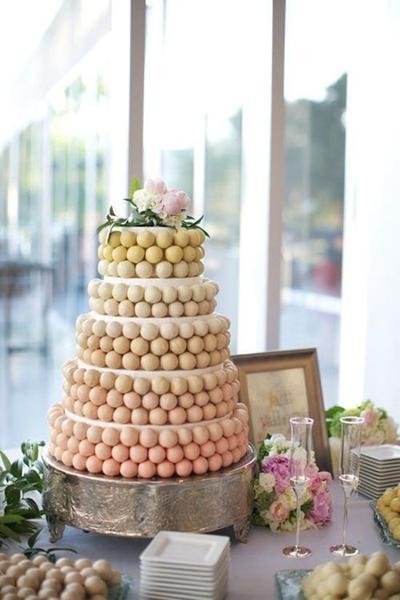 13 Favorite Cake Pop Wedding Cakes