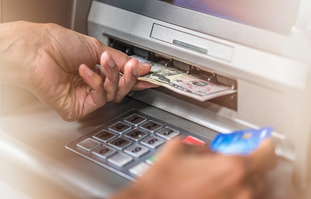 """Dịch vụ rút tiền thẻ tín dụng sở hữu nhiều ưu điểm nổi bật khiến cho nhiều chủ sở hữu thẻ tín dụng tại huyện Củ Chi phải """"săn lùng"""" những đơn vị cung cấp dịch vụ uy tín nhất với mong muốn được giải quyết mọi khó khăn tài chính"""