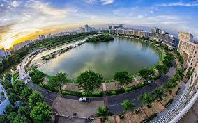 Hồ bán nguyệt tại quận 7, thành phố Hồ Chí Minh