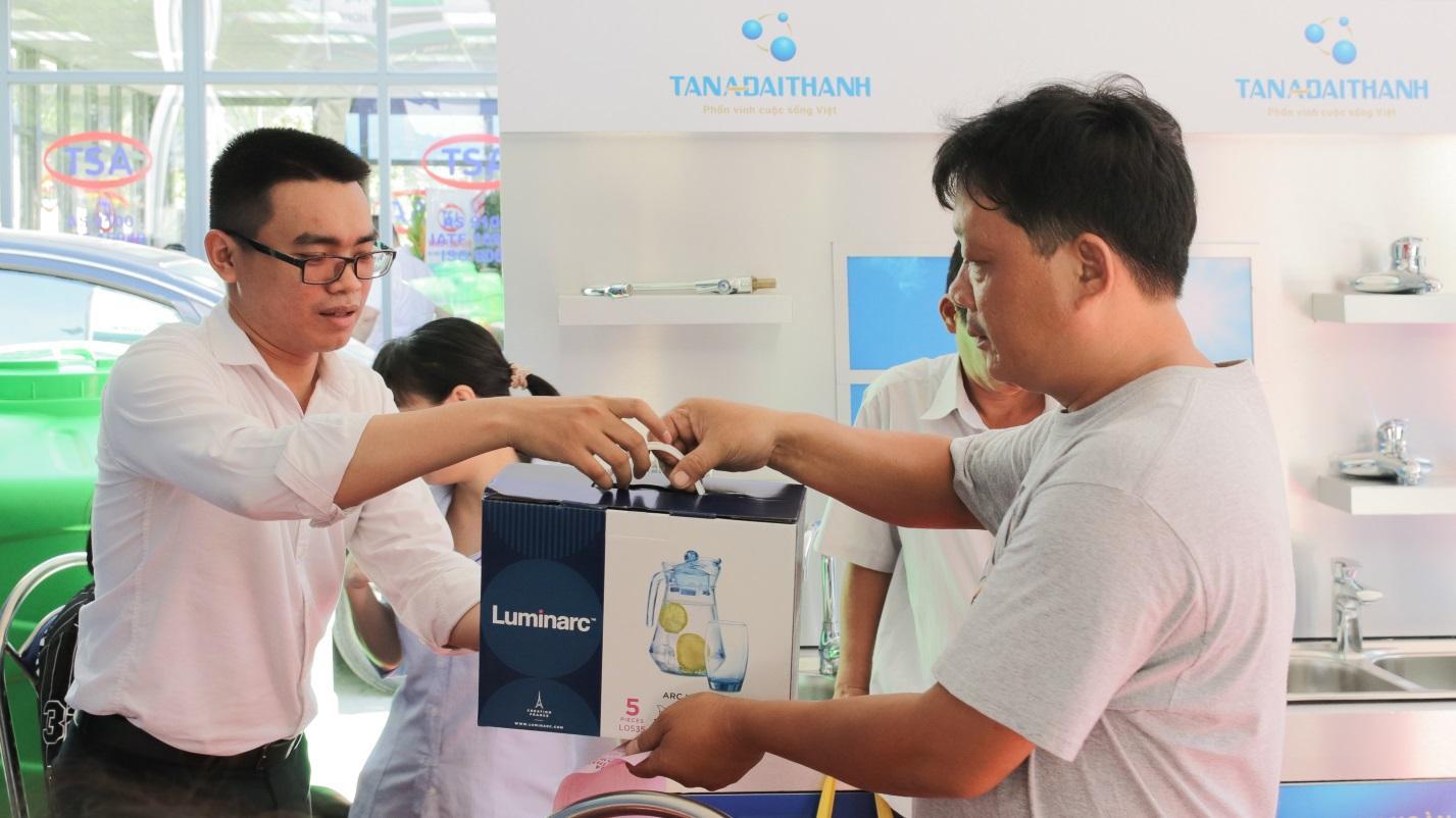 Gian hàng Tập Đoàn Tân Á Đại Thành thu hút đông đảo khách tham quan và mua sắm tại Vietbuild tháng 06/2019  - Ảnh 5
