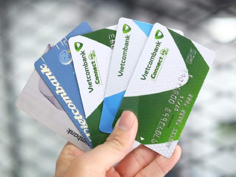 Các loại thẻ ATM Vietcombank và biểu phí phát hành thẻ mới nhất