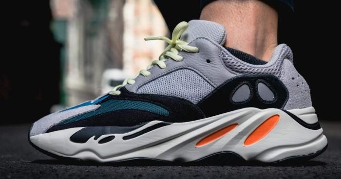 Những đôi sneaker khổng lồ được rất nhiều người yêu thích