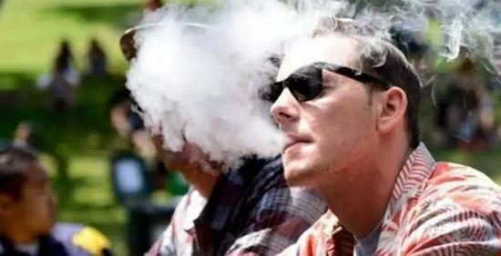 4個小妙招:吸電子煙如何避免吸到煙油