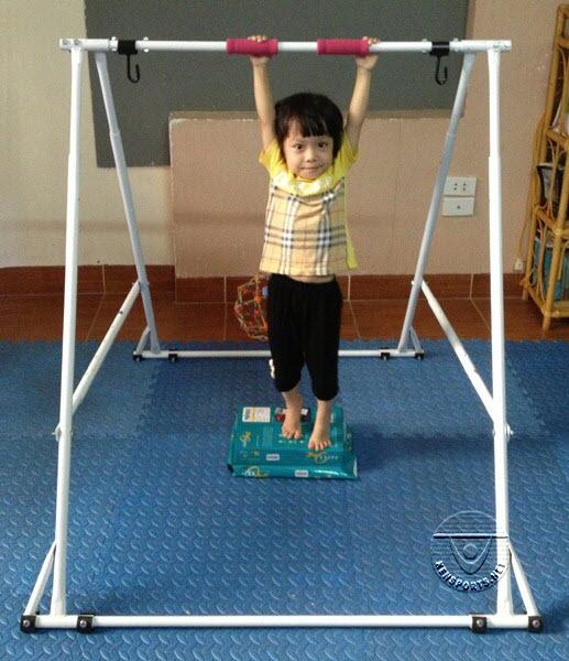 Dạy trẻ hít xà đúng cách ngay từ đầu sẽ giúp đạt hiệu quả cao hơn