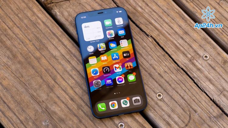 Toàn bộ các mẫu iPhone 12 đều sử dụng màn hình OLED