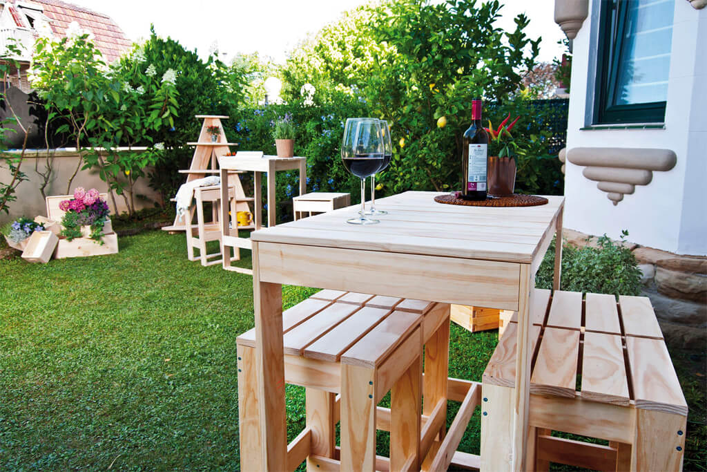 foto jardin mesa vino.jpg
