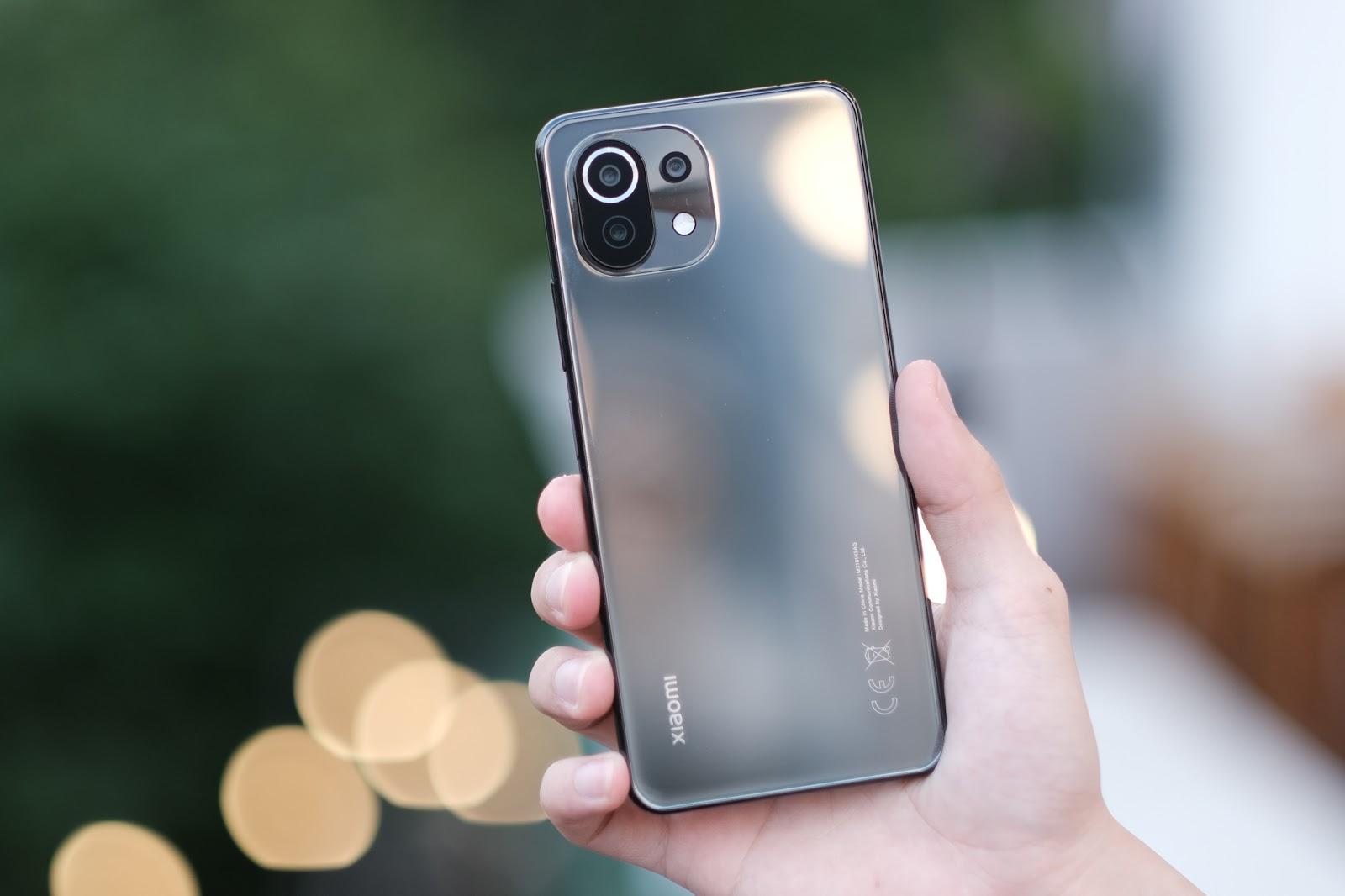 Trên tay Xiaomi Mi 11 Lite: Smartphone mỏng nhẹ và đáng mua nhất phân khúc dưới 7 triệu đồng - Ảnh 5.