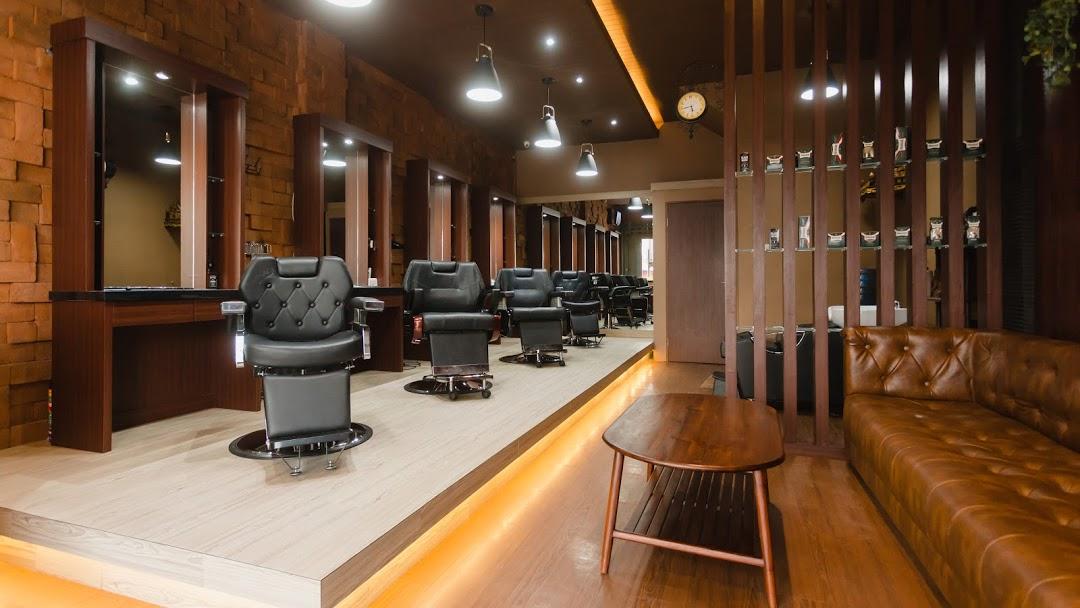 Crown Gentleman Barbershop