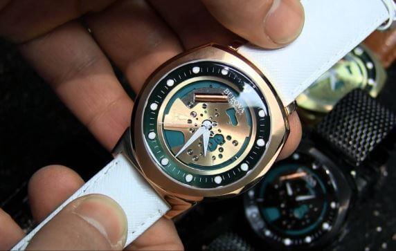 hướng dẫn phân biệt đồng hồ Bulova