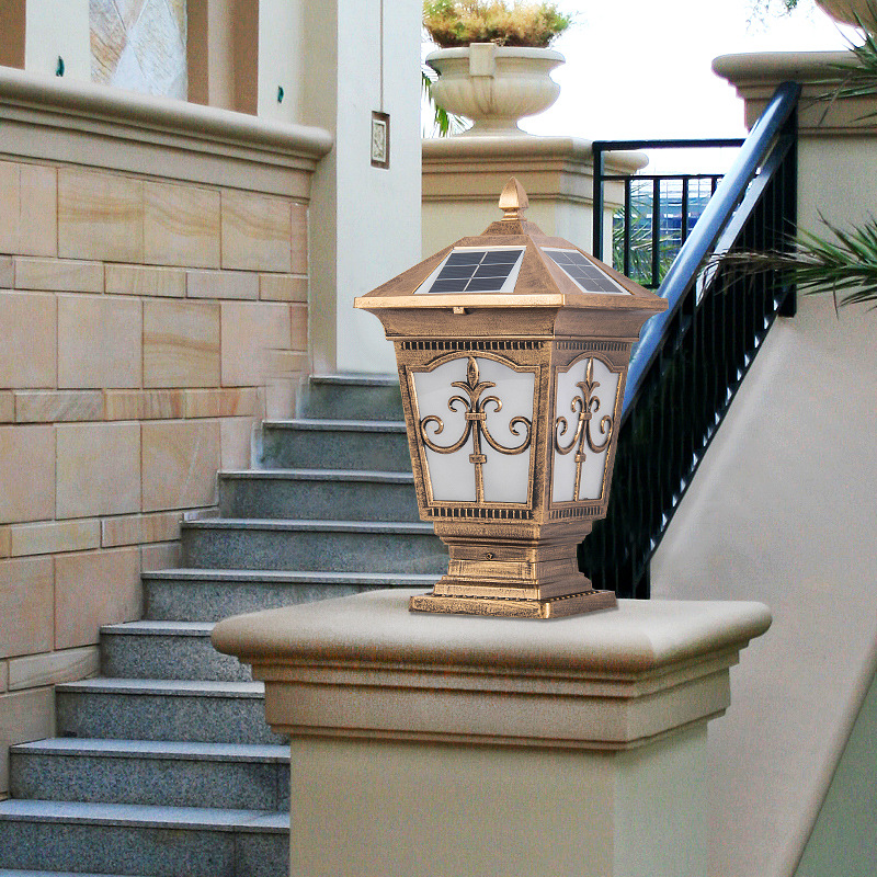 Mẫu đèn trụ NLMT hình tháp chóp
