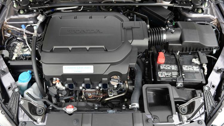 The engine of Honda Accord 2014