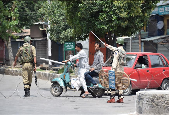 One Killed As Army Opens Fire In Beerwah, Kashmir