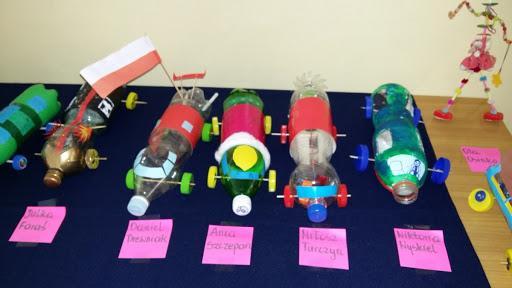 """Coś z niczego"""" – zabawki z recyklingu – Szkoła Podstawowa w Błażowej"""