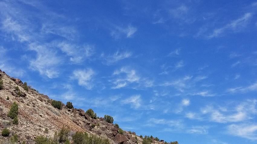 C:\Users\Jean\Pictures\cirrus above the mesa.jpg