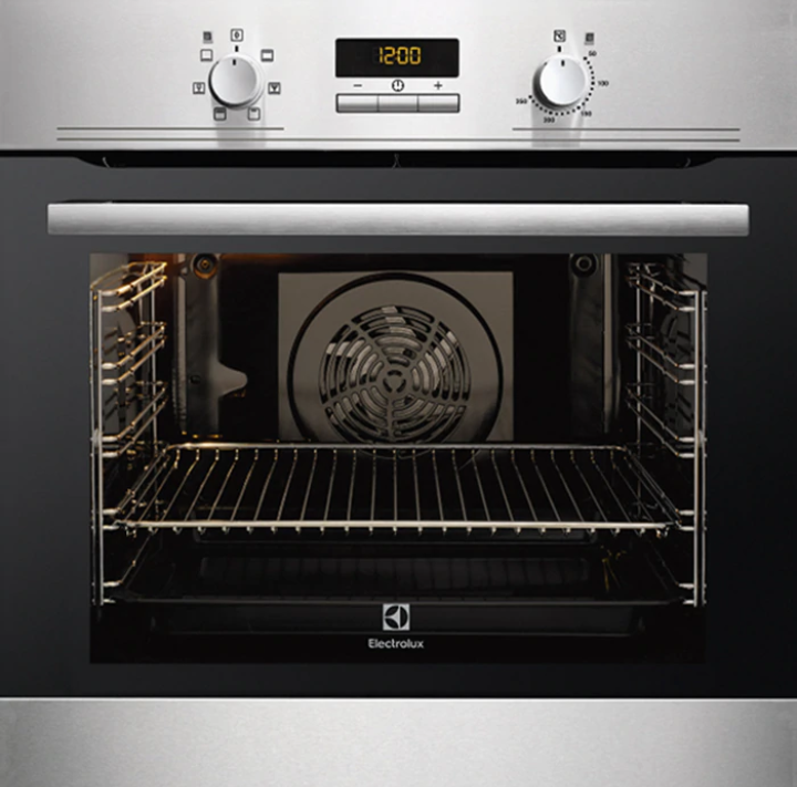 Electrolux 72L Built-in Pyrolytic Cleaning Oven EOC5400AOX. Source: Electrolux