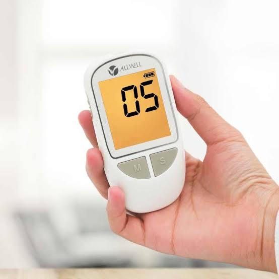 1. ALLWELL เครื่องวัดระดับน้ำตาลในเลือด รุ่น G-426