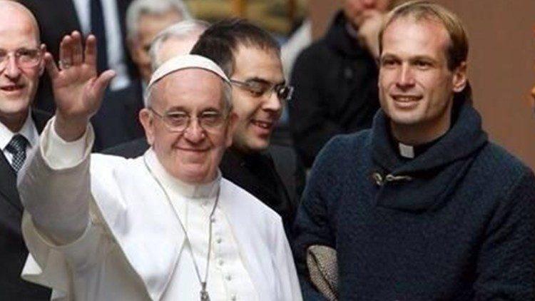 Đức Thánh Cha Phanxico chọn Cha Aemilius làm tân thư ký riêng của ngài