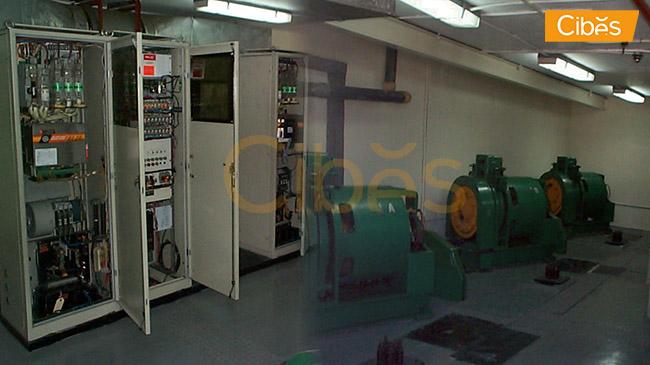 Phòng máy của hệ thống thang máy