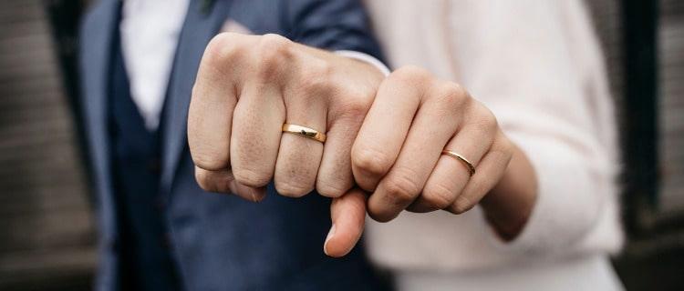 既婚者カップル