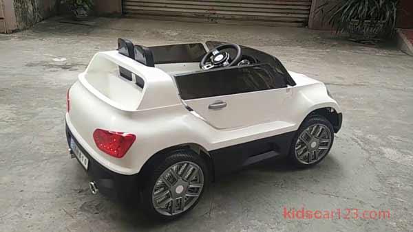 xe ô tô điện trẻ em YH-810 màu trắng 01