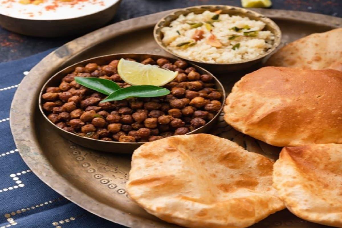 Navratri Recipe Halwa Poori Chana