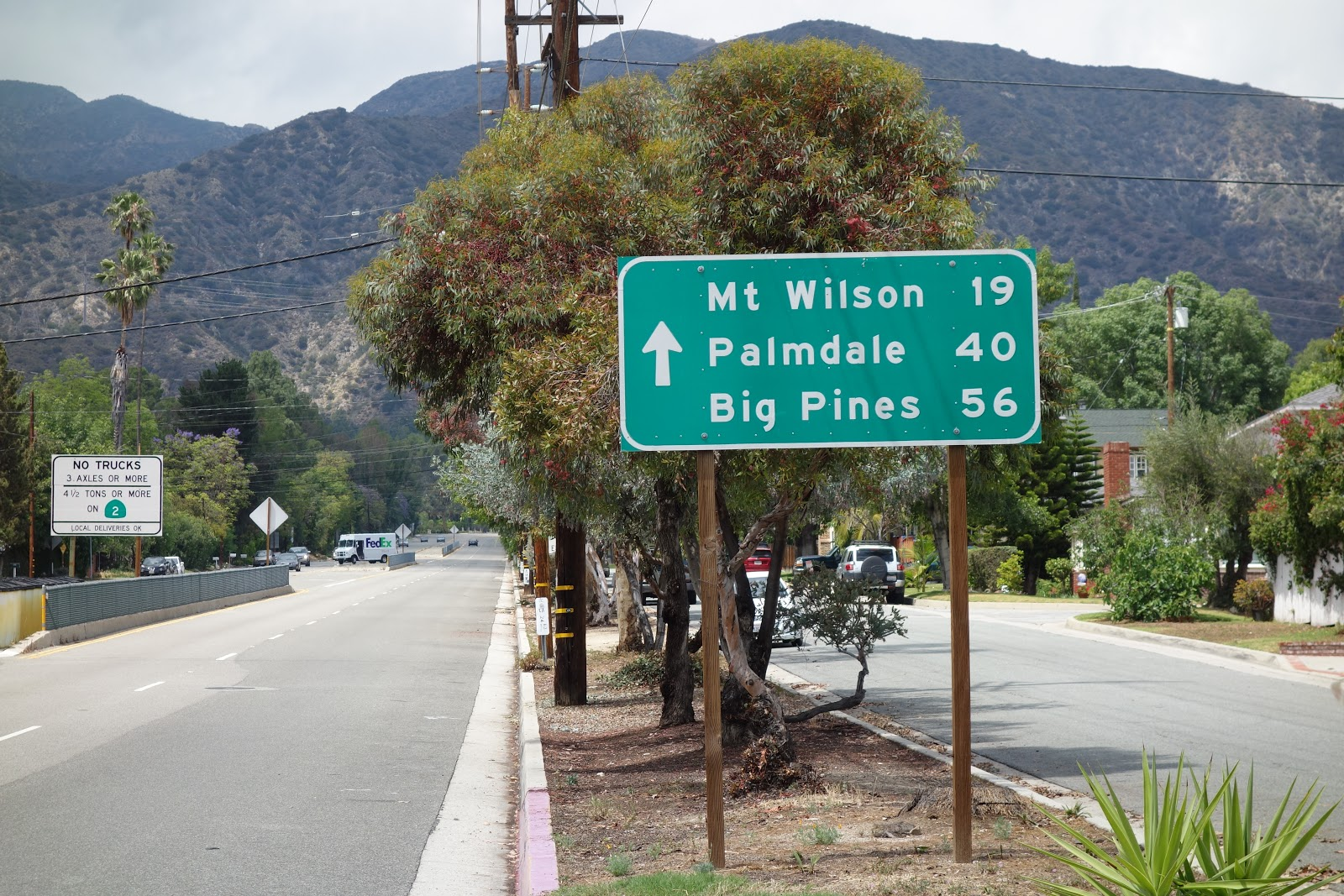 Road sign at beginning of Mt. Wilson climb by bike