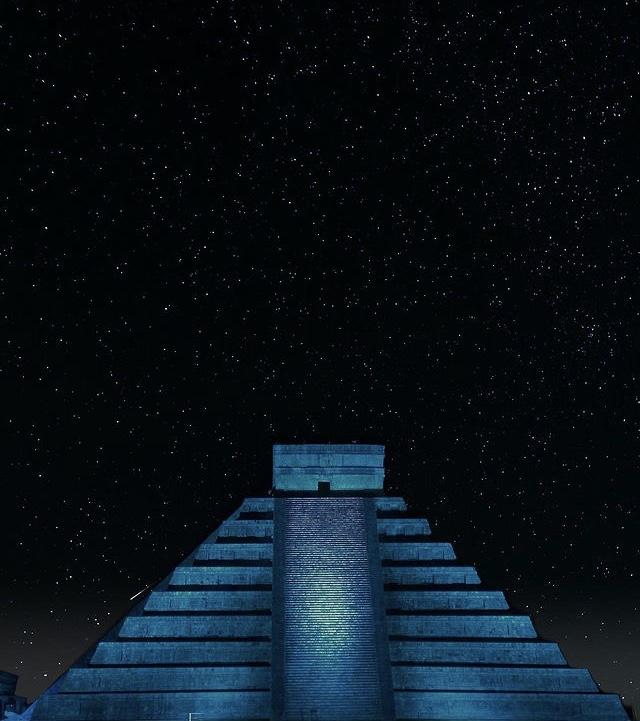 Chichen Itzá de noche
