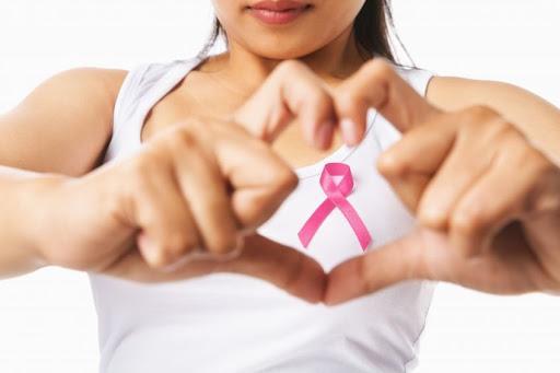 El cáncer de mama en la mujer menor de 40 años supone aproximadamente el 13  por ciento de todos los casos diagnosticados - Salud de la Mujer -  Elperiodicodelafarmacia.com