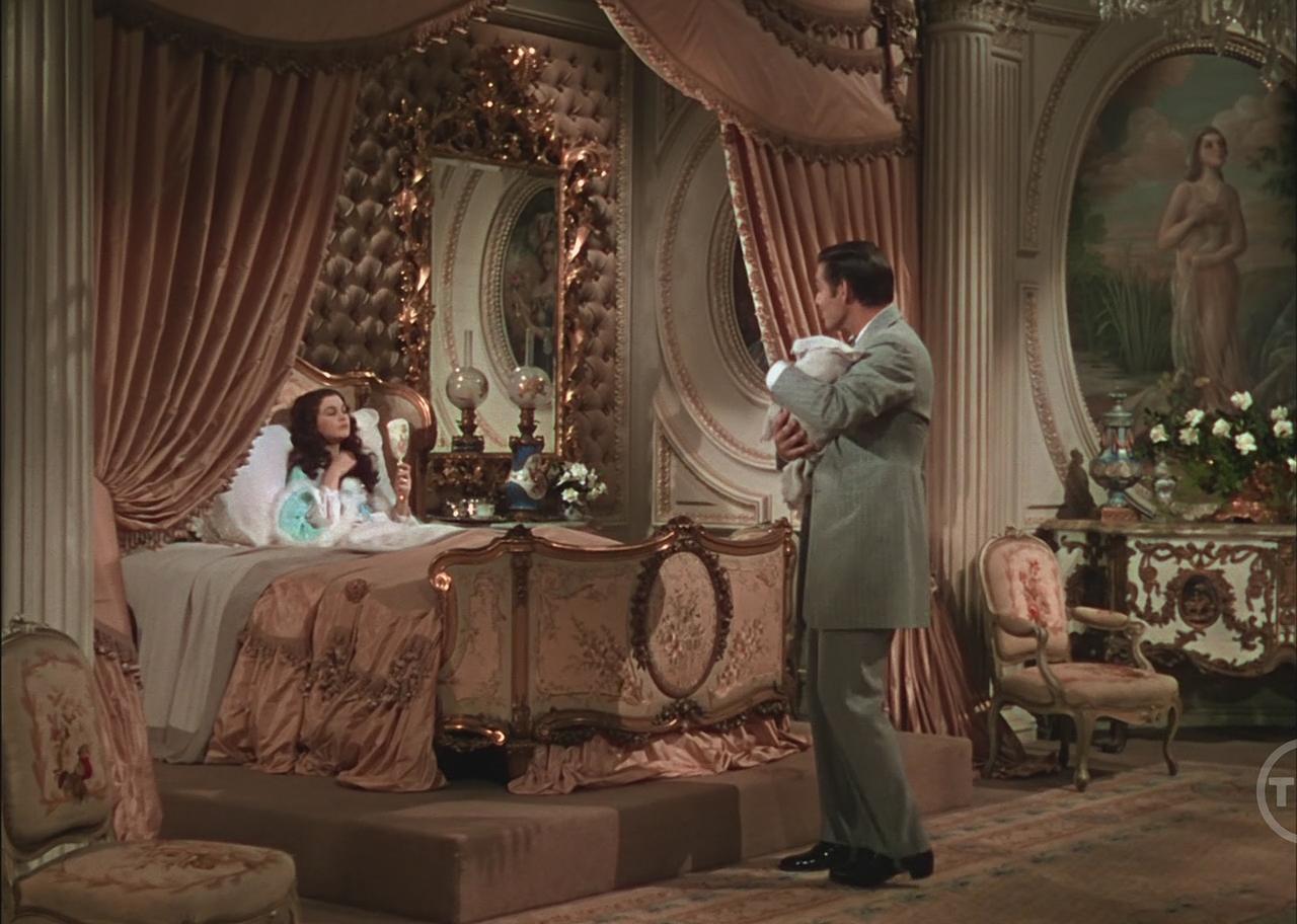 Спальня Скарлетт в стиле ампир