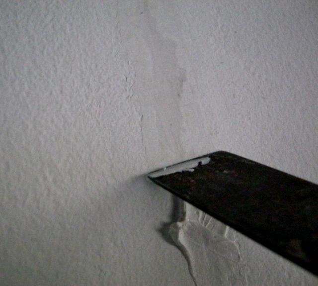 Sơn hiệu ứng Waldo-Trám vữa các vết nứt dài của tường