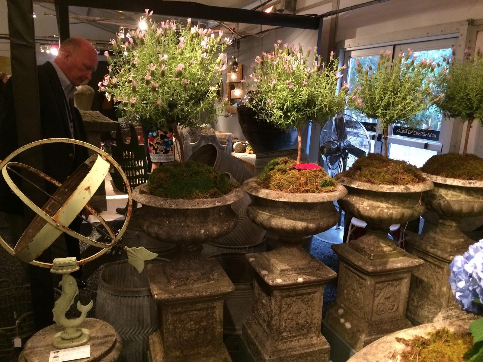 Garden Glamour by Duchess Designs: Decorate Your Garden: Antique ...