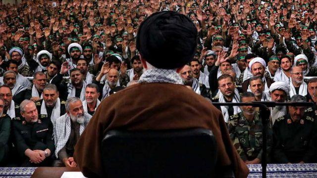 آیتالله خامنهای و فرماندهان نظامی جمهوری اسلامی ایران