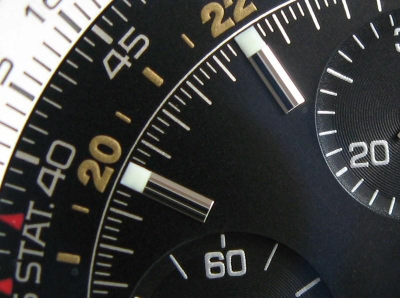http://img832.imageshack.us/img832/3701/hourmarkers.jpg
