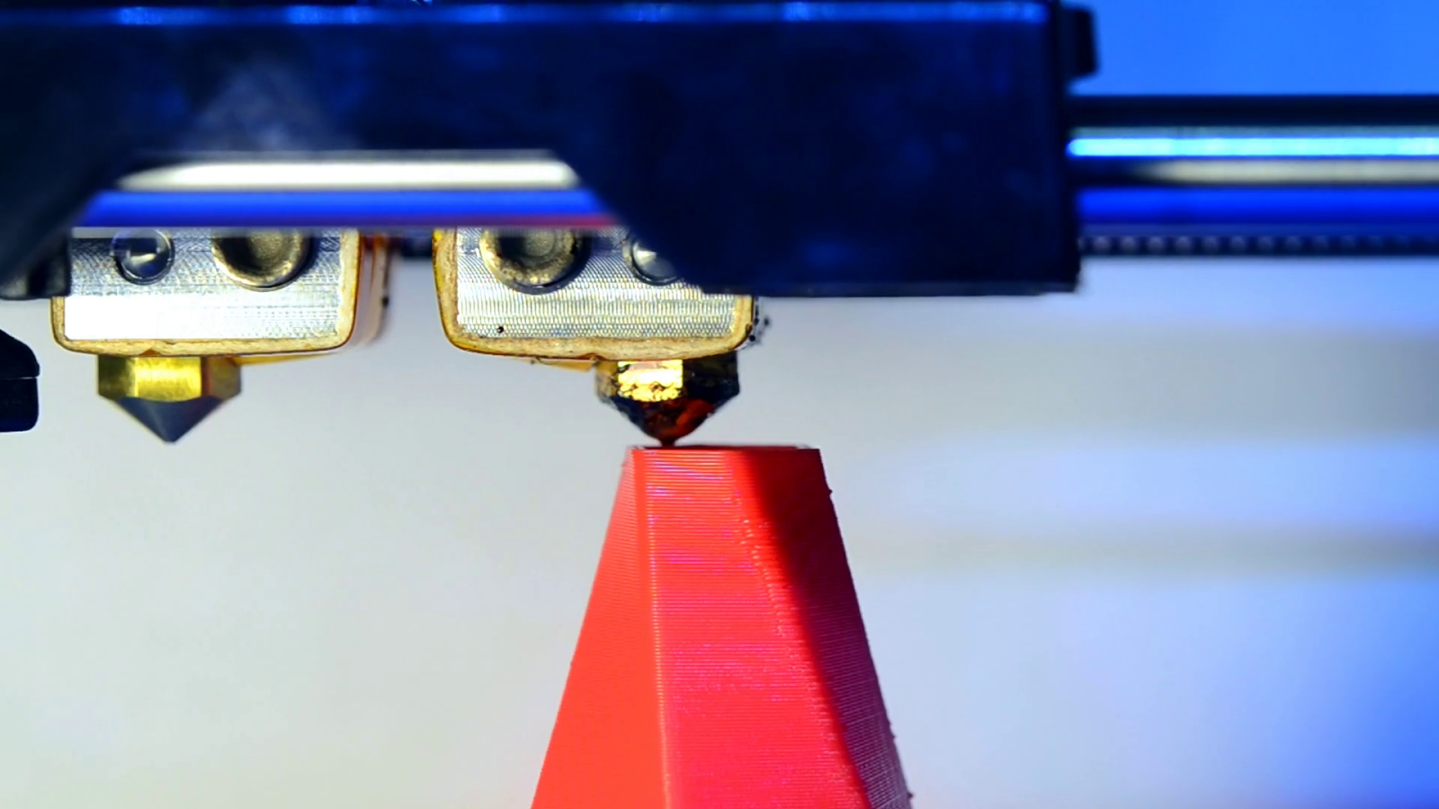 Fénykép egy 3d nyomtatóról ami pla-val dolgozik