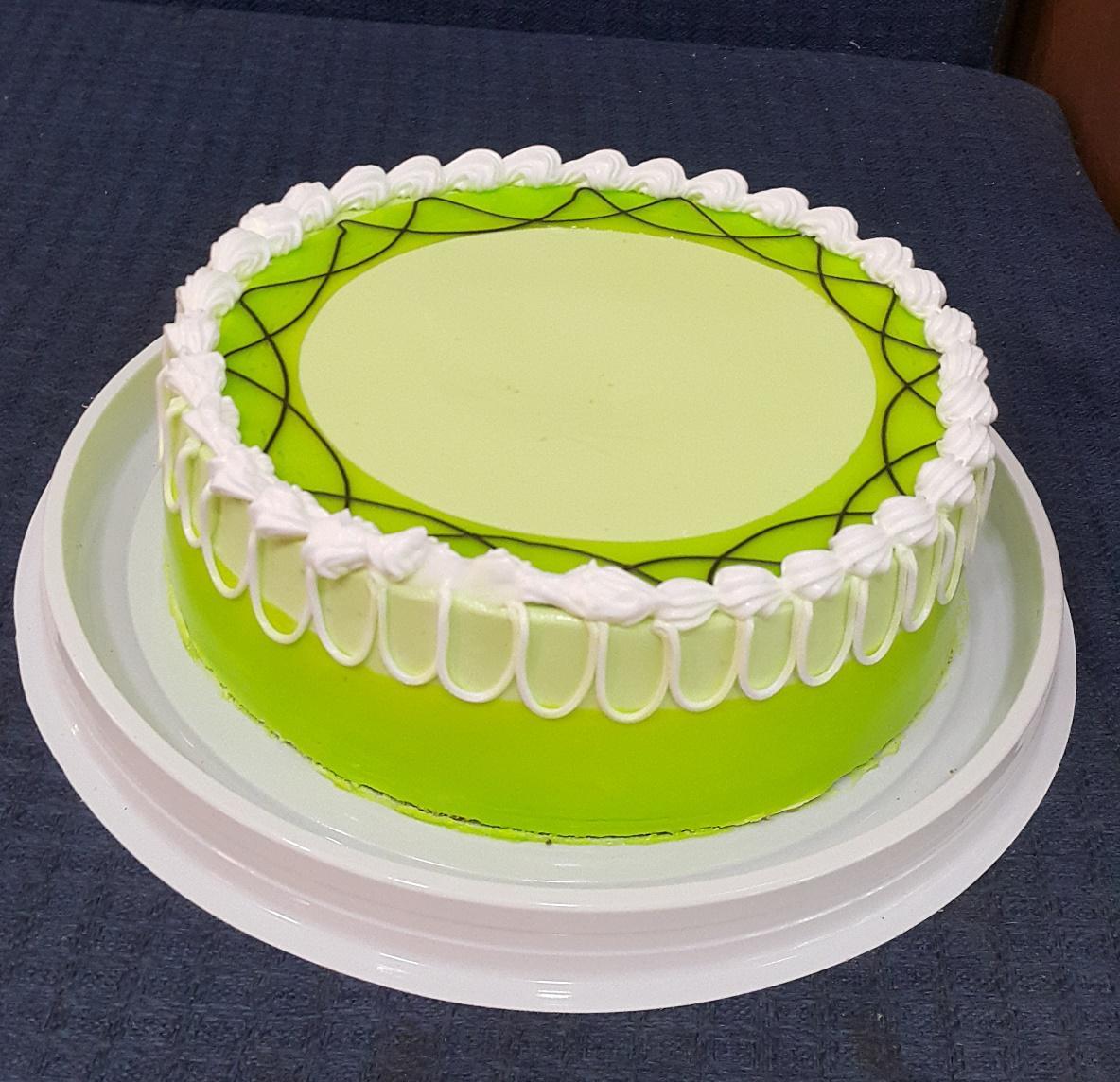 Giá thành của bánh sinh nhật vị trà xanh đắt đỏ không?
