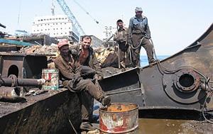 Ship Breaking around the world – Ship Breaking in Bangladesh