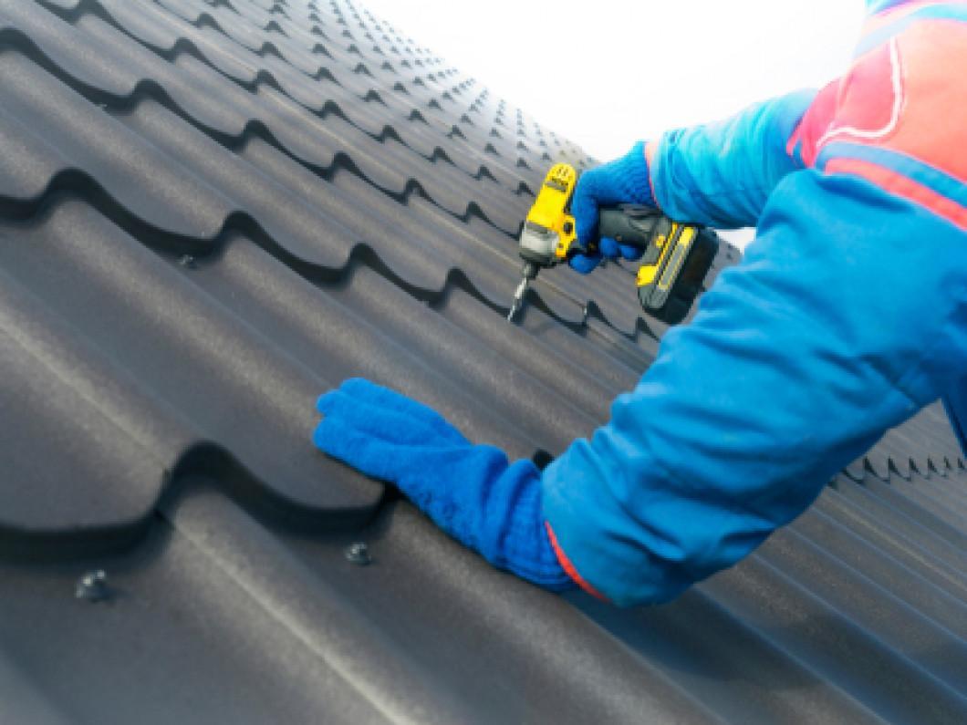 Tuân thủ đúng quy trình giúp việc lắp đặt mái tôn diễn ra nhanh chóng, hiệu quả