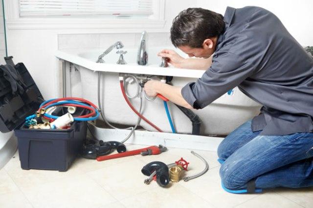 Sửa chữa rò rỉ nước tại nhà giá rẻ