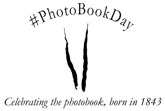 sello_photobookday_2014_2.jpg