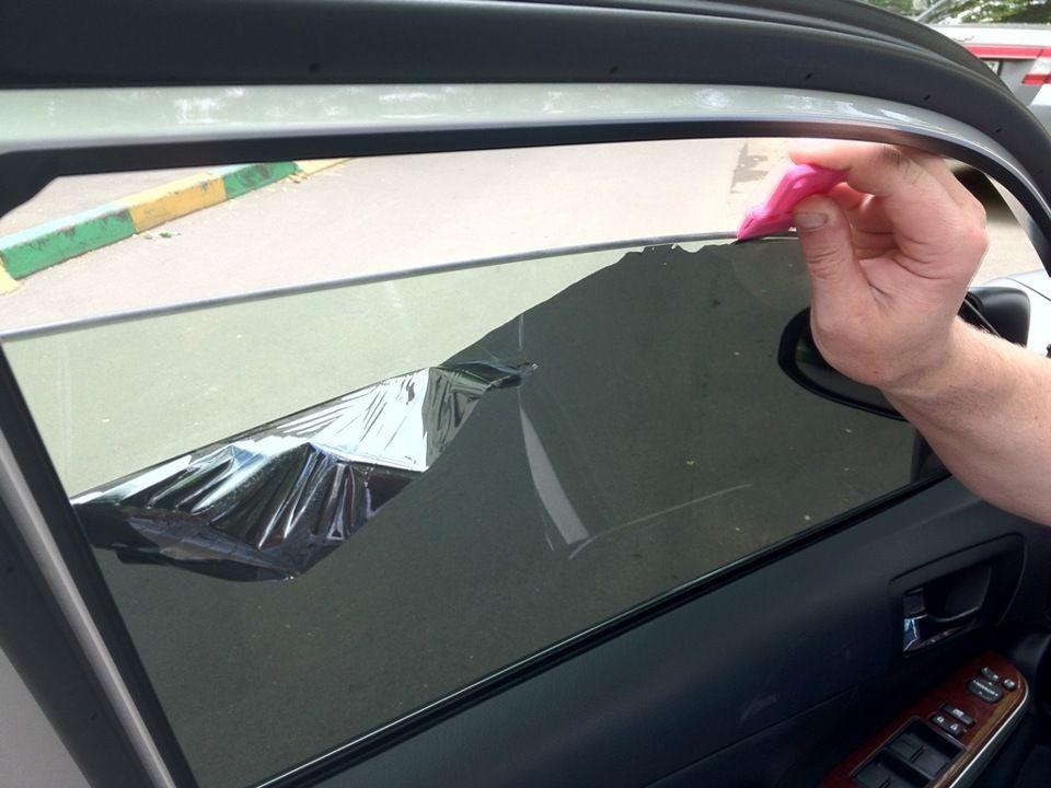 Как снять тонировку со стекла: способы убрать старую пленку с автомобиля самому легко и быстро, а также снятие с заднего с обогревом