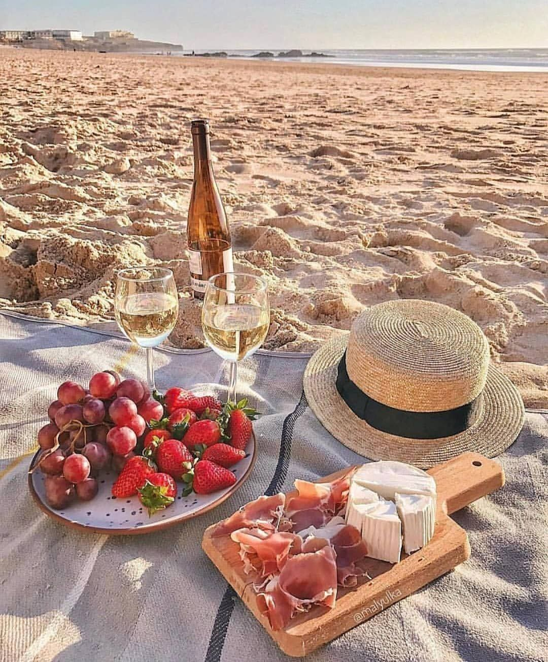 CHARCUTERIE AND WINE ON MONOCHROMATIC SANDS