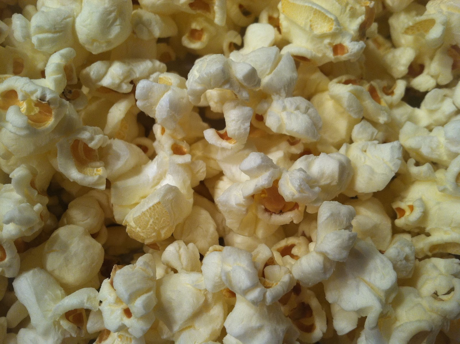 Popcorn up close salted and air popped.jpg
