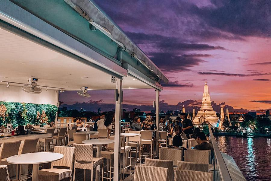 2. วิวอรุณ รูฟท็อป เรสเทอรองท์ & บาร์, กรุงเทพ (View ARUN – Rooftop Restaurant & Bar)