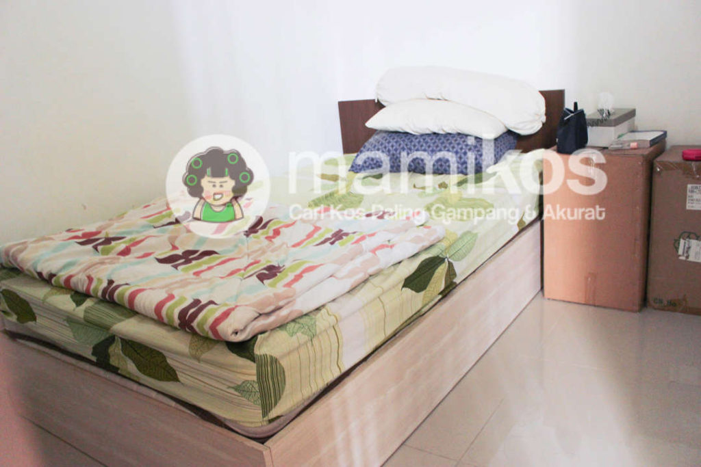 kos andreas 3 bedroom slipi