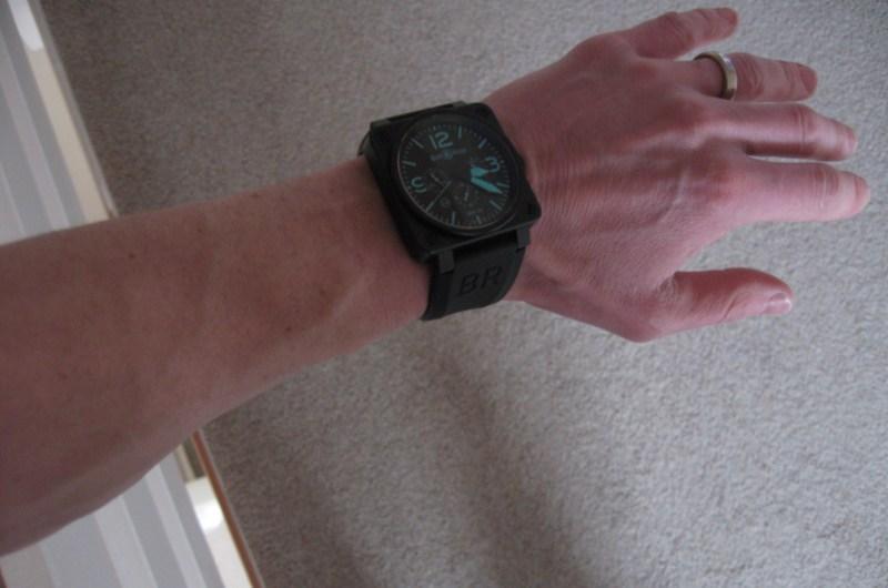http://img695.imageshack.us/img695/1629/wristshot.jpg