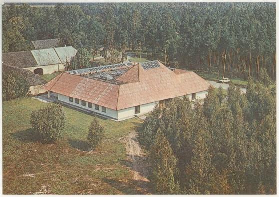 C:\Users\triin.aadli\OneDrive - Sihtasutus Eesti Vabaõhumuuseum\Kolhoosimaja üritused\Looduse omnibuss\Fotod kodulehele\Lääne-Harjumaa\Koidula kolhoos.jpg