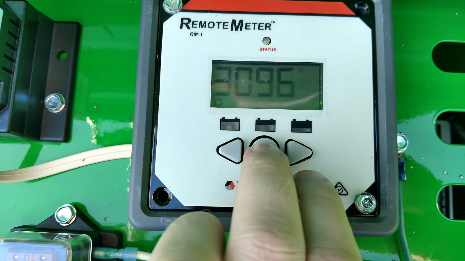 Troubleshooting Power With Morningstar Remote Meter Liveview Mppt Charge Controller Versus Pwm Performance Test Solar Panel Connections 3 How To Check Load Readings This Will Help Determine If The Communications Box At Top Of Boom Is Getting